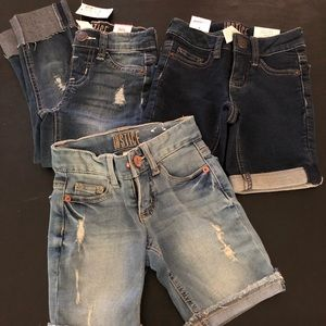 Justice Bundle 2 Shorts / 1 cropped pants